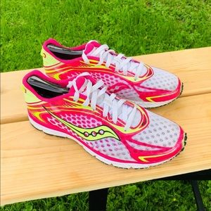 ❤️Saucony running shoes